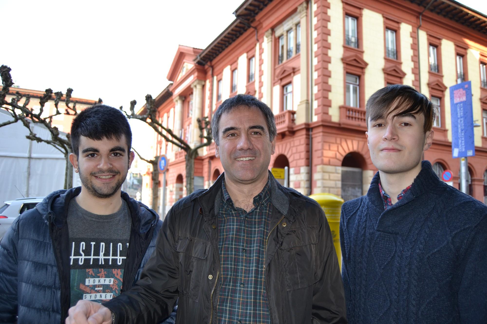 De izda. a dcha, Ander Curiel, Miguel de los Toyos e Iñaki Azkue
