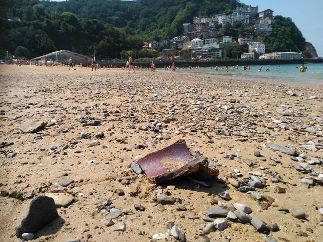 piedras en la playa de Ondarreta