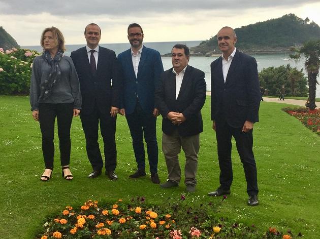 Los representantes de Donostia, Sevilla, Las Palmas y Palma de Mallorca en el Palacio Miramar